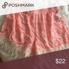 Adorable flowy shorts So cute never worn because they don't fit! Shorts
