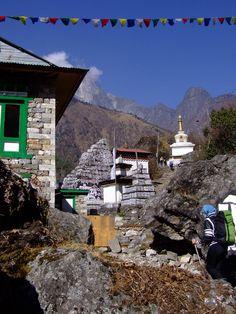 Everest Trek Day 1: Lukla to Phakding - Yaks & broken boots