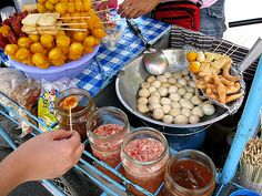 fried fish balls - perhaps my most favourite Filipino street food ever. I would eat this all day everyday! Pinoy Street Food, Filipino Street Food, Pinoy Food, Filipino Food, Filipino Dishes, Filipino Recipes, Asian Recipes, Philippines Food, Foods To Eat