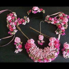 Flower Jewellery For Mehndi, Flower Jewelry, Indian Jewelry Earrings, Bridal Jewelry, Asian Bridal Dresses, Fall Floral Dress, Stylish Jewelry, Fashion Jewelry, Jewelry Design