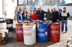 El día de hoy, el Presidente Municipal de Ascensión, Noel Dolores Loya Lozano, hizo entrega de tambos para basura, esto como parte de las acciones....