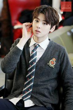 my bias eun woo astro. Happy new year everyone Korean Celebrities, Korean Actors, K Pop, Chanyeol, Cha Eunwoo Astro, Lee Dong Min, Pre Debut, Childhood Photos, Kdrama Actors
