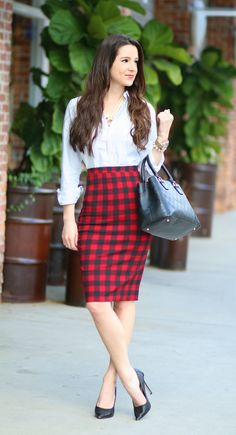 Be Your Most Radiant (Morning) Self: A Girlboss' Essential Plaid Pencil Skirt - Diary of a Debutante