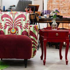 móveis felizes!  ESTUDIO GLORIA SP/BRASIL #decor #bordeaux #vintage #retro