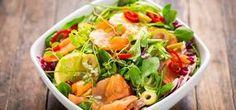 Salada de salmão fumado rucula e abacate
