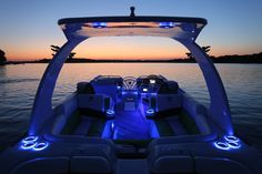 900 Series Pontoon by South Bay