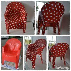 Chaise plastique/papier mâché