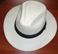 Fedora  48 Hats in stock Genuine Panama Hat, handwoven in Toquilla Palm, with the same technique used in Colombia since 1.865. Calidad: Normal 3    Brim: 6.5 cms    Color White:      Stock: 63      Sizes:  L: 18 XL: 31 XXL:14   Euros $11.70 US$15.87