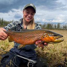 Tuva Bjerketvedt Repost By: @turtuva Via: 📸 @rustiefly He was feeding on mayflies in the shallow waters along the shore. #flyfishing #explore #wildplaces #trout #womensupportingwomen #womenflyfishing #theflylife #wade #reelgirlsfish #flygirlz #keepemwet #shopmcfly #findyourwater #womenontherivercollective #mcfly #wildbrowntrout #fishitwell #workforit #theflycompany #dowhatyoulove #livewideopen #arcticsilver_flyfishing #arcticsilverflyrod #patagonia #swiftcurrentwaders #untiedwomenonthefly Fly Fishing Net, El Dorado County, Plenty Of Fish, Brown Trout, Weather Day, Fly Rods, Shallow, Arctic, Patagonia