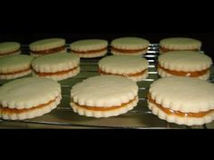 Christmas Baking, Christmas Cookies, Condensed Milk Cookies, A Food, Food And Drink, Sandwiches, Confectioners Sugar, Food Processor Recipes, Cheesecake