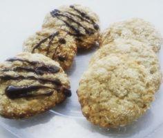 Fursecuri cu cocos şi lime (de la 1 an) Thing 1, Healthy Desserts, Coco, Cookies, Bebe, Health Desserts, Crack Crackers, Biscuits, Cookie Recipes