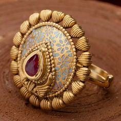 Indian Gold Jewellery, Gold Ring Indian, Gold Jewelry Simple, Gold Rings Jewelry, Jewelry Design Earrings, Gold Earrings Designs, Gold Jewellery Design, Antique Jewellery Designs, Gold Ring Designs
