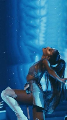 Ariana Grande, Dangerous Woman Tour 2017, moonlight