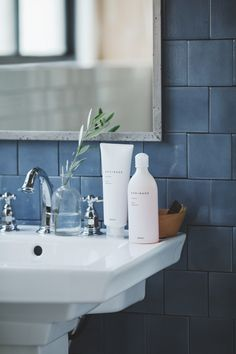 SPRINAGE | NSSG Diy Crafts Love, Double Vanity, Fragrance, Skin Care, Cosmetics, Bathroom Sinks, Photography, Venus, Beauty