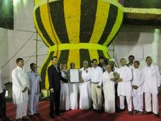 World's Largest Shivling using Flowers - certified by http://www.worldrecordsindia.com - World Record by Prajapita Brahmakumari Ishwariya Vishwavidyalaya,  Belgaum,