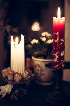 Tunnelmallista valoa elämään kauniilla käsintehdyillä kynttilöillä http://www.salonsydan.fi/uncategorized/tunnelmallista-valoa-elamaan-kauniilla-kasintehdyilla-kynttiloilla/