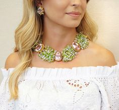 Palm Beach princess at @sothebys 🌴 Discover the auction of Marjorie Fisher's fabulous jewelry collection and our ideal summer styling, like a chunky gemstone #necklace over an eyelet #offtheshoulder midi Necklace and Earrings: Tony Duquette Dress: @saloniofficial