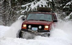 1998 Jeep Cherokee XJ off roading in the snow Red Jeep, Jeep Tj, Jeep Wrangler, 1999 Jeep Cherokee, Pajero Sport, Nissan Trucks, Offroader, Terrain Vehicle, 4x4 Off Road