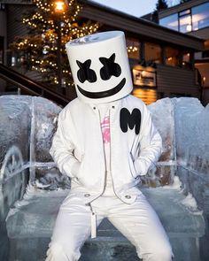 Marshmello Dj Music, Music Mix, Music Is Life, Dope Wallpapers, Gaming Wallpapers, Dj Alan Walker, Rapper Costume, Dj Marshmello, Marshmello Wallpapers