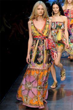 Dolce & Gabbana foulard trend