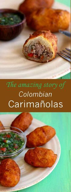 are Colombian snacks that consist of mashed cassava filled with beef, chicken or cheese and then deep-fried.Carimañolas are Colombian snacks that consist of mashed cassava filled with beef, chicken or cheese and then deep-fried. Colombian Dishes, Colombian Cuisine, Colombian Desserts, Mexican Food Recipes, Beef Recipes, Cooking Recipes, Ethnic Recipes, Chicken Recipes, Latin American Food