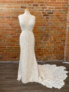 Buy Wedding Dress, Lace Wedding, Wedding Dresses, Maggie Sottero, Vows, Size 10, Wedding Ideas, Formal Dresses, Fashion