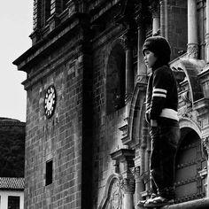 """Cuzco, Perù (2006). 2° riscatto urbano di Lisa Guenci (@lizaguen). Saranno conteggiati i """"mi piace"""" al seguente post: https://www.facebook.com/photo.php?fbid=10153450735892208&set=o.170517139668080&type=3&theater"""