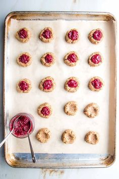 Perfectly soft, chewy delicious vegan almond thumbprint cookies. Gluten-free, no sugar, low carb healthy cookies that are absolutely delicious, perfect for the holidays and ready in just 30 minutes. Vegan Sweets, Healthy Sweets, Healthy Dessert Recipes, Vegan Recipes Easy, Cookie Recipes, High Protein Desserts, High Protein Recipes, Healthy Cookies, Yummy Cookies