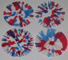 crédit photo Putti Prapancha Le spin art est un procédé qui utilise la force centrifuge pour peindre. Une façon super facile d'en faire est d'utiliser une essoreuse à salade et je suis sûre que c'est un ustensile que tout le monde a chez soi! Instructions Tracez le fond de l'essoreuse sur des feuilles de papier blanc et coupez les cercles obtenus. Placez un rond de papier au fond de l'essoreuse et versez un peu de peinture liquide avec une cuillère par exemple. Fermez le couvercle, tournez…
