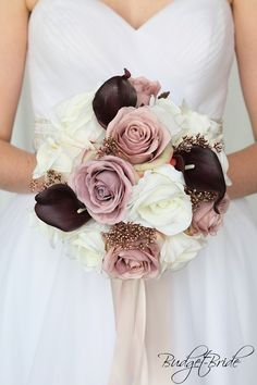 Dusty rose wedding flowers made with rose gold and wine and dusty rose roses Romantic Wedding Colors, Purple Wedding Flowers, Flower Bouquet Wedding, Romantic Ideas, Colored Wedding Dress, How To Dress For A Wedding, Wedding Dresses, Bride Bouquets, Bridesmaid Bouquet