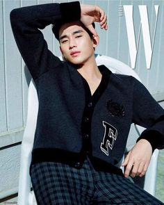 Here's the list of top 10 most popular and handsome Korean drama actors who make our hearts melt from the very first time we look at them! Here you will also find some drama recommendations! Asian Actors, Korean Actors, W Korea, My Love From The Star, Poster Boys, Hallyu Star, Korean Star, Korean Street Fashion, Korean Model