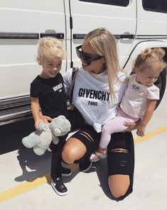 Daily fashion all trends dresses shoes pants jeans Daily Fashion, Trendy Fashion, Kids Fashion, Fashion Outfits, Womens Fashion, Jeans Fashion, Outfits Jeans, Mom Outfits, Gym Shark Outfit