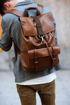 10 Accessories Every Man Should Own. Bolsas Masculinas ... 8198797f51565
