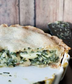 Pascualina Swiss chard pot pie, traditional Argentinian and Chilean recipe. Latin American Food, Latin Food, Chilean Recipes, Chilean Food, Houston Food, Milk Recipes, Chard Recipes, Vegetarian Recipes, Dessert Recipes