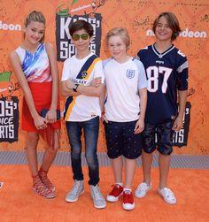 Lizzy-Greene:-2016-Nickelodeons-Kids-Choice-Sports-Awards--02.jpg 1,470×1,567 pixels