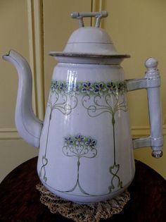 LOVELY ANTIQUE VINTAGE FRENCH COFFEE POT ENAMELWARE GRANITEWARE FLORAL DESIGN