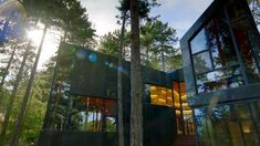 """Inside """"The World's Most Extraordinary Homes"""""""