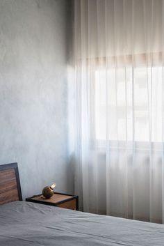 Photography ©️ Ariel Huber   This beautiful sea-facing apartment, located in Mumbai, is the brainchild of Case Design. Th...