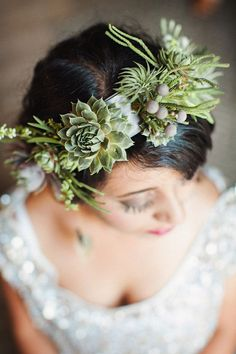 You can use them to make a flower crown that won't wilt. | 23 Wedding Succulents That Will Make You Forget About All Other Flowers