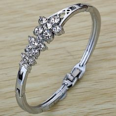 awesome  Cute Flower Bangle Fashion Charms Crystal Silver Plated Alloy Bracelet Jewelry - For Sale View more at http://shipperscentral.com/wp/product/cute-flower-bangle-fashion-charms-crystal-silver-plated-alloy-bracelet-jewelry-for-sale/