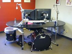 And now for something completely different - Stick the kick drum computer case under this drum kit desk - you can add a cymbal to one of the stand and use it as a desk lamp with the bulb placed under the cymbal. Music Furniture, Cool Furniture, Objet Deco Design, Drum Room, Deco Studio, Music Studio Room, Music Rooms, Drum Music, Drum Lessons