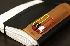 Moleskine daily diary, Lamy MXS Safari, Quiver pen holder by N. Fukuda, via Flickr