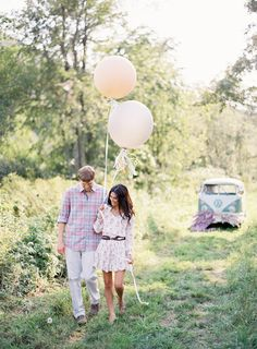 #balloons  Photography: Jose Villa - josevillaphoto.com Event Design: Moon Canyon Design - mooncanyondesign.com/  Read More: http://www.stylemepretty.com/2013/05/23/vermont-engagement-session-from-jose-villa/