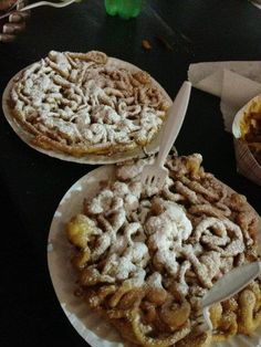 funnel cakes at the Houston Live Stock Show and Rodeo I would so love one of these!