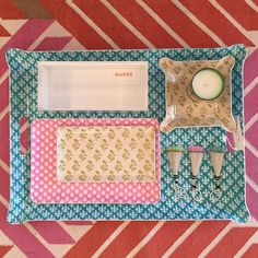 Lots of new summer table top accessories!! #MadreDesign #designshopplay #trays #summerhosting #acrylicbox #keychains