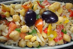 Fórmula Perfumada: Salada de Bacalhau com Grão de Bico Salad Recipes, Diet Recipes, Cooking Recipes, Healthy Recipes, Cod Fish Recipes, Portuguese Recipes, Home Food, Healthy Salads, Food Inspiration