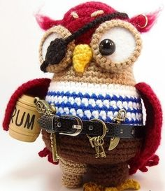 Owl pirate.  Adorable.  Wish there was a pattern.