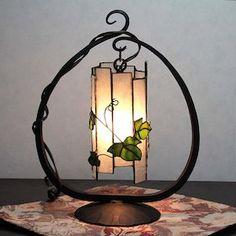 【ステンドグラス】筒ランプ(桜)。ステンドグラスの筒ランプ(桜)【卓上ランプ】