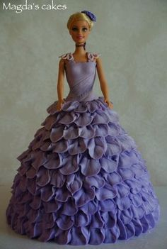 love doll cakes (or as I should say, I love to play dress-up); This one is dressed in light purple petal dress in buttercream (I decided to try something else than regular buttercream rosettes or ruffles) Barbie Torte, Bolo Barbie, Barbie Birthday Cake, Birthday Cake Girls, Birthday Cakes, Doll Cake Designs, Dolly Varden Cake, Elsa Cakes, Gateaux Cake