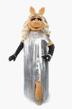 "Miss Piggy, the ""Gloria Steinem of the Muppet World,"" to Receive Feminism Award - MarieClaire.com"